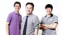 휘어지는 곡면 전자회로를 제작할 수 있는 3D 프린팅 기술을 개발한 연구진의 모습이다. 왼쪽부터 김국주 박사, 박장웅 교수, 안병완 석박사통합과정연구원이다.
