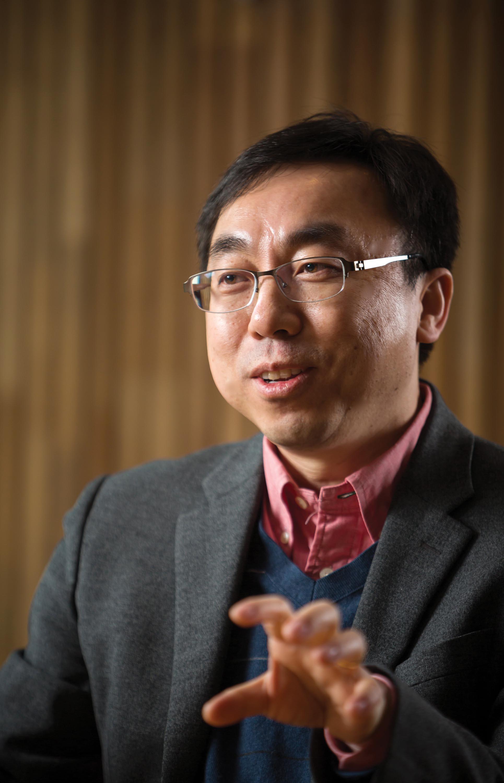 배성철 단장이 UNIST 산학협력단과 UC버클리의 협업에 대해 이야기하고 있다.   사진: 안홍범