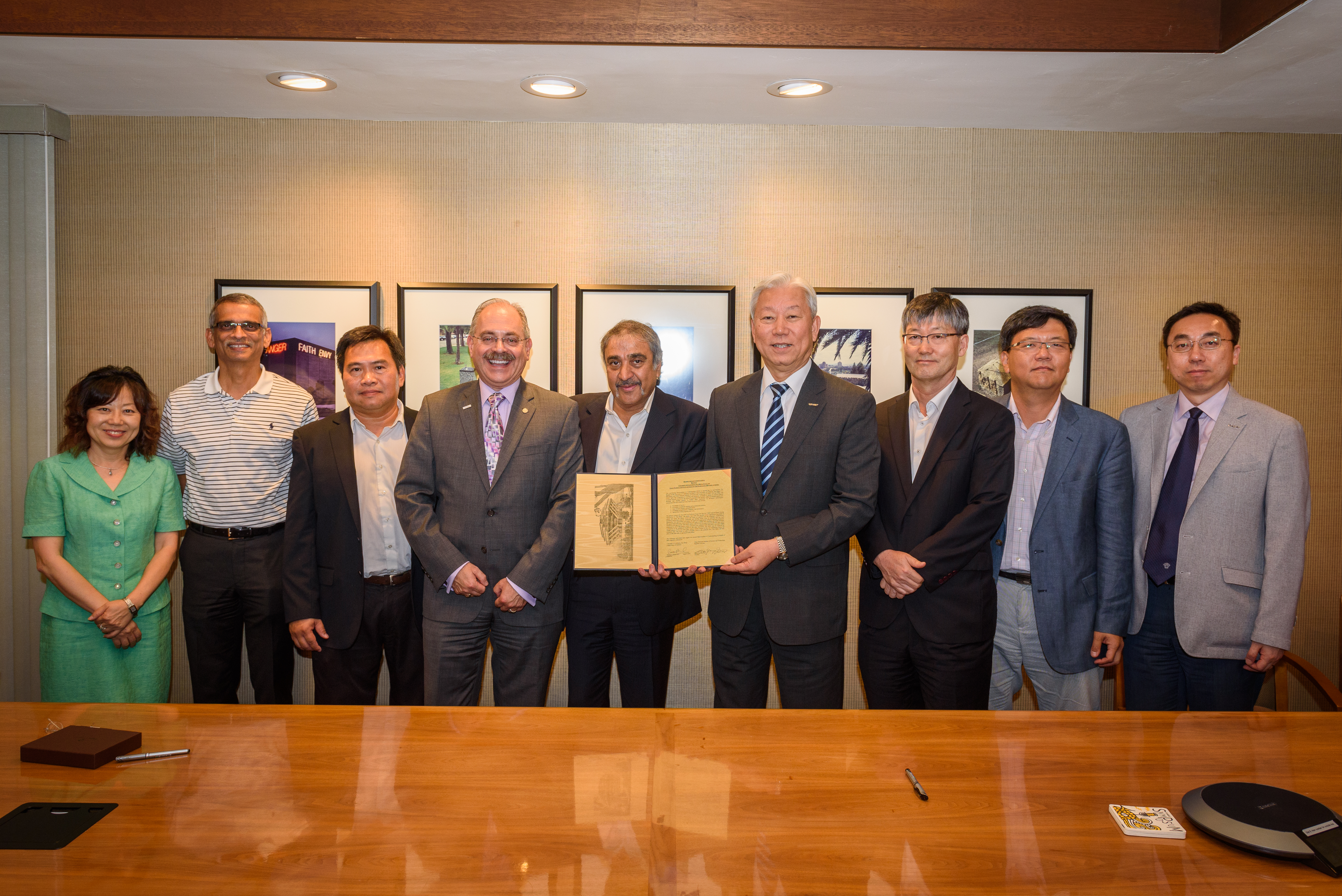 UNIST와 UCSD가 공동연구는 물론 창업 및 기술사업화 협력을 약속하는 MOU를 체결했다