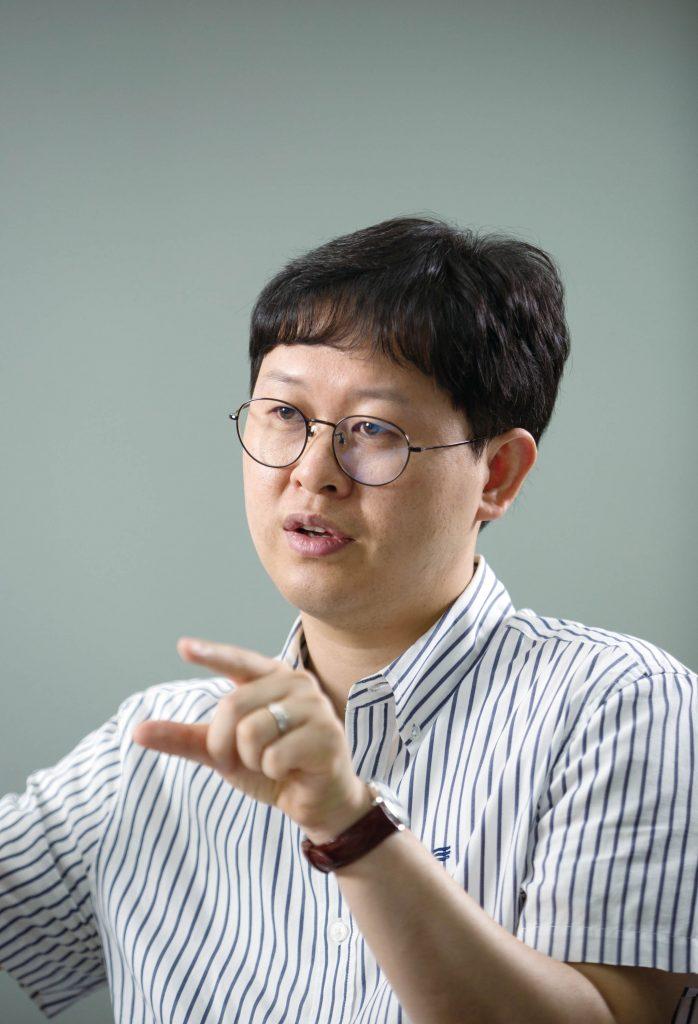 최성득 교수가 미세먼지 검출에 대해 설명하고 있다. | 사진: 안홍범