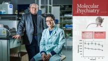 조울증 후보 유전자를 검증해낸 UNIST 연구진의 모습. 왼쪽부터 서판길 교수와 양용렬 박사. | 사진: 김경채