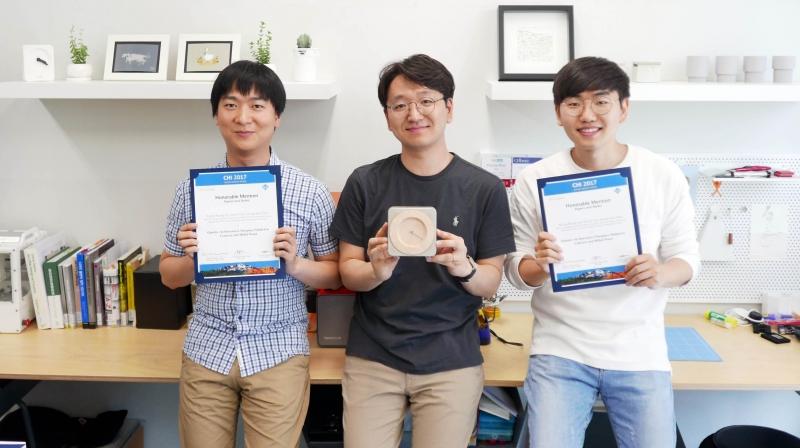 큐이토를 개발한 박영우 교수팀의 모습 왼쪽부터 고건일 연구원, 박영우 교수, 이경룡 연구원