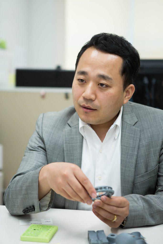 김남훈 교수는 3D 프린팅 기술로 제조업 현장의 모양을 바꾸는 프로젝트를 시도하고 있다. | 사진: 아자스튜디오 남윤중