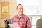 능동-콜로이드-연구-분야에서-주목받고-있는-스티브-그래닉-교수.jpg