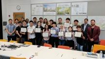 지난 7월 17일(월)부터 28일(금)까지 2주간 하버드공대에서 진행된 'UNIST-하버드공대 하계 프로그램'에 참여한 학생들이 단체 사진을 촬영했다. | 사진: Michael Raspuzzi