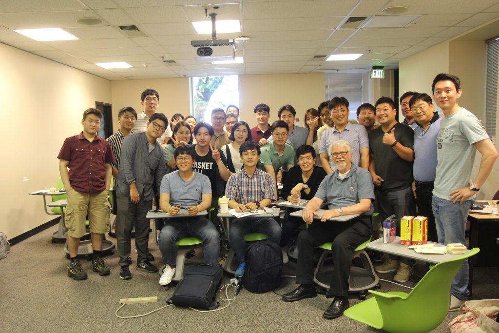 포클랜드 주립대에서 강의를 들은 학생들이 단체사진을 촬영했다. | 사진: 조은채 제공