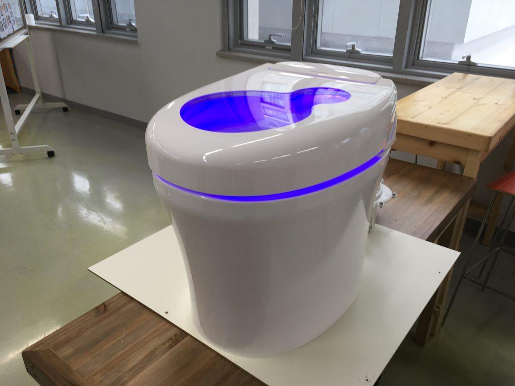 비비 변기 2세대의 실제 모습. 동대문디자인플라자에 전시될 예정이다. | 사진: 이현경 교수 제공