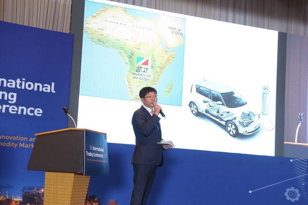 이재훈 SK가스 대표는 '셰일가스 혁명'으로 달라진 석유시장 변화를 소개하고, 이에 대응하기 위한 방향을 모색해야 한다는 이야기를 펼쳤다. | 사진: 김경채