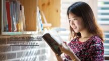 정한나 동문(기계항공 및 원자력공학부 10학번)이 한국동서발전 본사에서 촬영했다. 그녀는 동서발전의 홍보 모델로 뽑혀 회사를 알리는 얼굴로도 활약하고 있다. | 사진: 안홍범