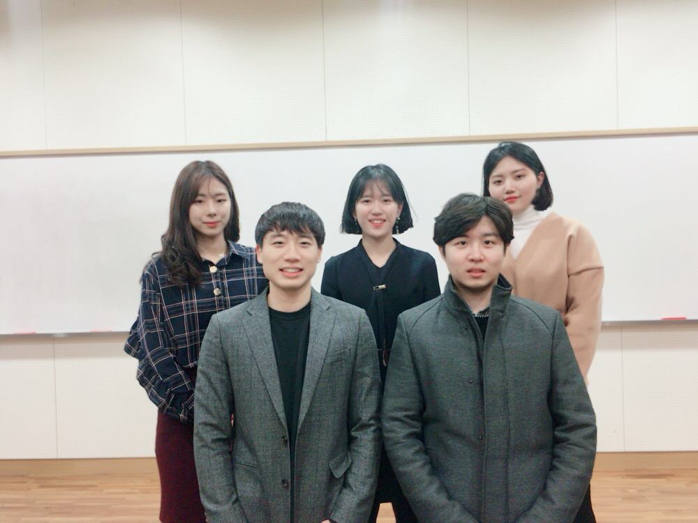 5명의 변리사 합격생들이 학교를 찾았다. | 사진: 이혜민 학생 제공