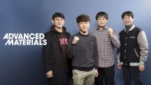 이번 연구에 참여한 UNIST 연구진의 모습. 왼쪽부터 송현곤 교수, 송우진 연구원, 황치현 연구원, 박수진 교수. | 사진: 김경채