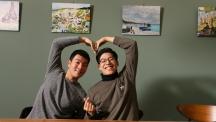 지난 20일(수), 정현기(왼쪽), 이명준(오른쪽) 학생이 조혈모세포 기증을 통해 이웃에 새로운 희망을 선물했다. | 사진: 김경채