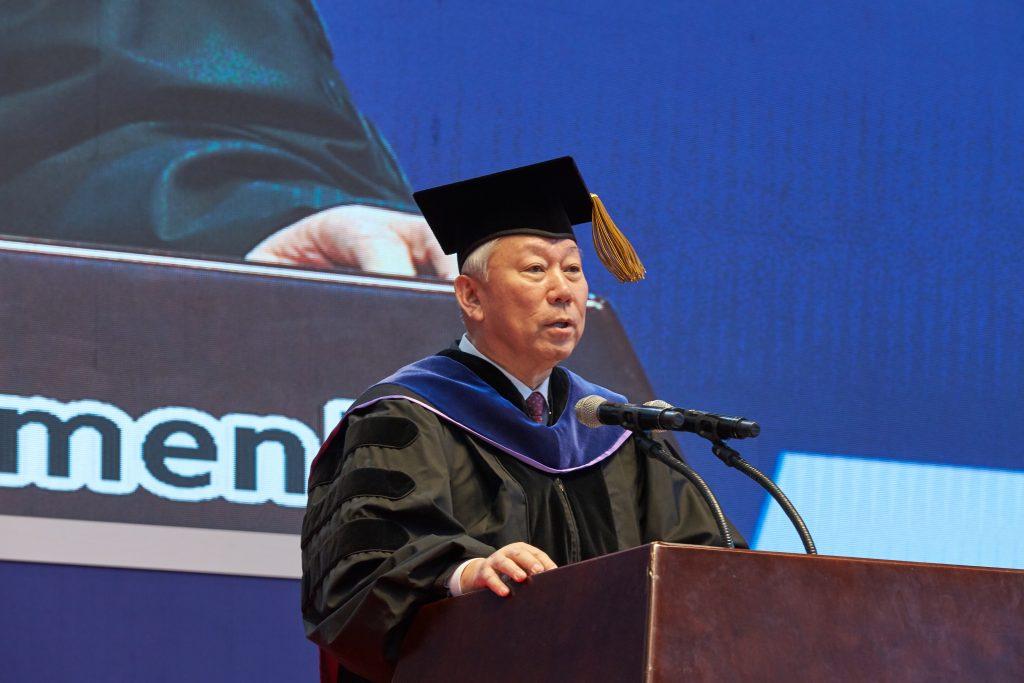 정무영 총장이 신입생들에게 대학생활에 대한 당부를 전했다. | 사진: 김경채