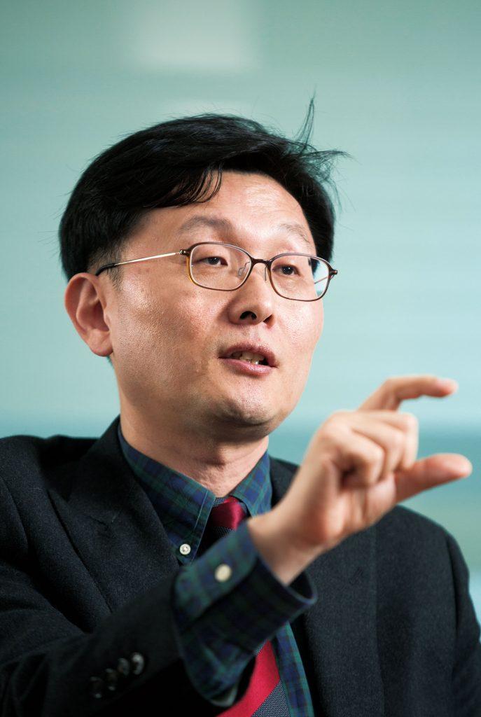 이종훈 신소재공학부 교수 | 사진: 안홍범