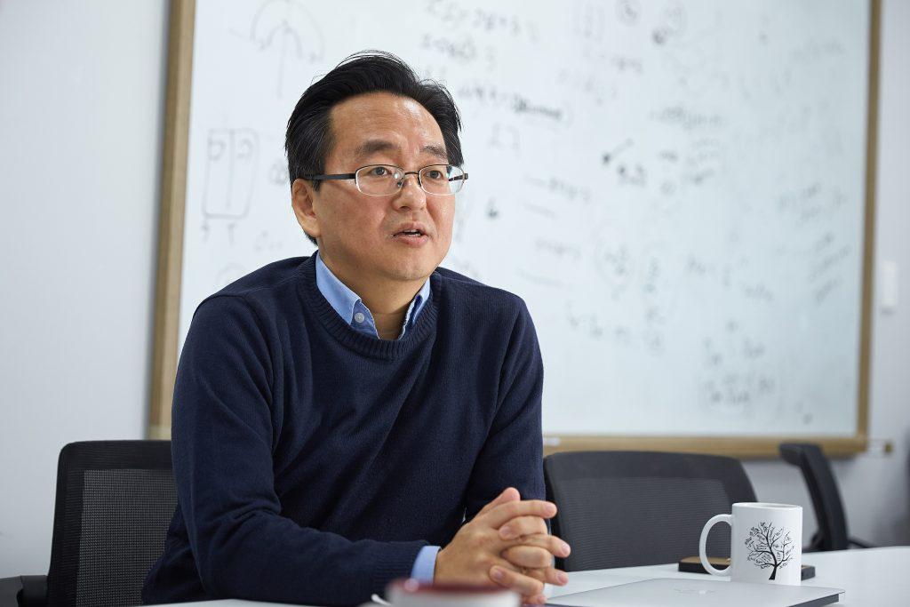 이창형 자연과학부 교수는 2009년 신종플루를 계기로 전염병 관련 응용연구를 진행해왔다. | 사진: 김경채