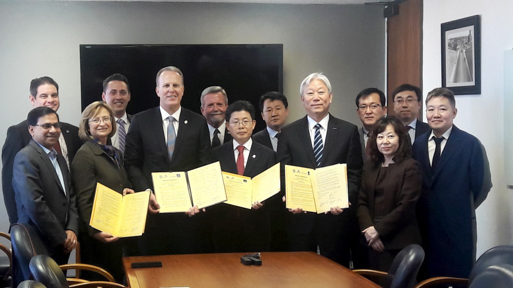 3월 1일(목) '울산시-샌디에고시-UNIST-UCSD 간 4차 산업혁명 산업 기술 국제 협력 MOU'가 체결됐다.