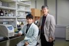 연구진_왼쪽부터-이준호-연구원과-권혁무-교수.jpg