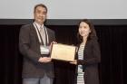강사라-UNIST-교수오른쪽가-6월-4일-오후-3시현지시간-하와이에서-열린-아시아-오세아니아지구과학학회에서-카미드-메달을-받았다.jpg