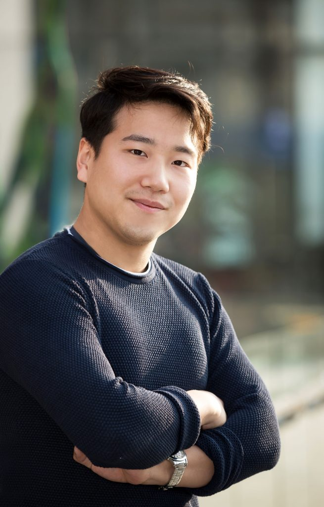 김명진 동문은 UNIST 디자인-공학융합전문대학원이 자신에게 꼭 맞는 선택지였다고 밝혔다. | 사진: 안홍범