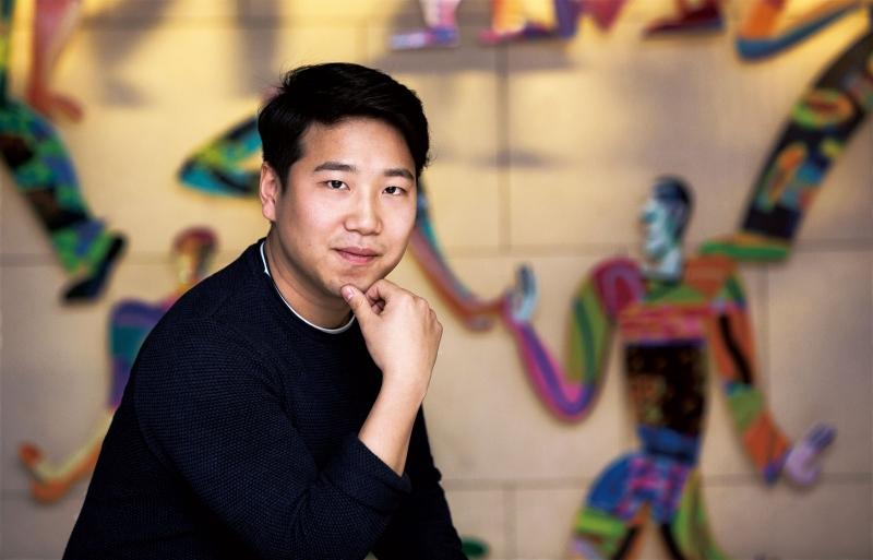 김명진 동문은 올해 2월 디자인-공학융합전문대학원을 졸업하자마자 '현대위아'에 입사했다. UNIST에서 갈고닦은 실력으로 선후배, 동료들을 깜짝 놀라게 만드는 그를 만나 이야기를 나눴다. | 사진: 안홍범