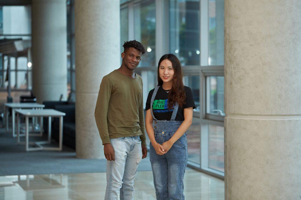 프로그램에 참가한 UNIST 허다연 학생(오른쪽)과 하버드공대의 오비나(왼쪽) 학생