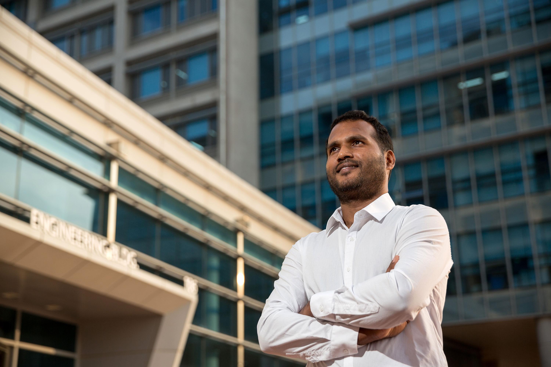 연료전지를 처음 접한 생고단 박사는 연구 분야를 바꾸기로 결심하고 2010년 UNIST에 박사과정으로 입학했다. | 사진: 안홍범