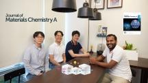 이번 연구를 주도한 UNIST 연구진. 왼쪽 아래부터 시계방향으로 권오훈 연구원, 김건태 교수, 주상욱 연구원, 시바프라카시 생고단 박사. | 사진: 김경채