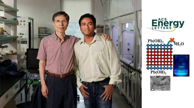 김광수 특훈교수(국가과학자, 왼쪽)와 아타누 자나 박사(오른쪽)는 물속에서도 안정한 페로브스카이트 물질을 만들었다. | 사진: 김경채