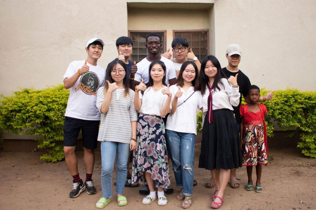 이번 봉사활동에 참가한 8명의 UNIST 학생들 | 사진: 국제협력센터