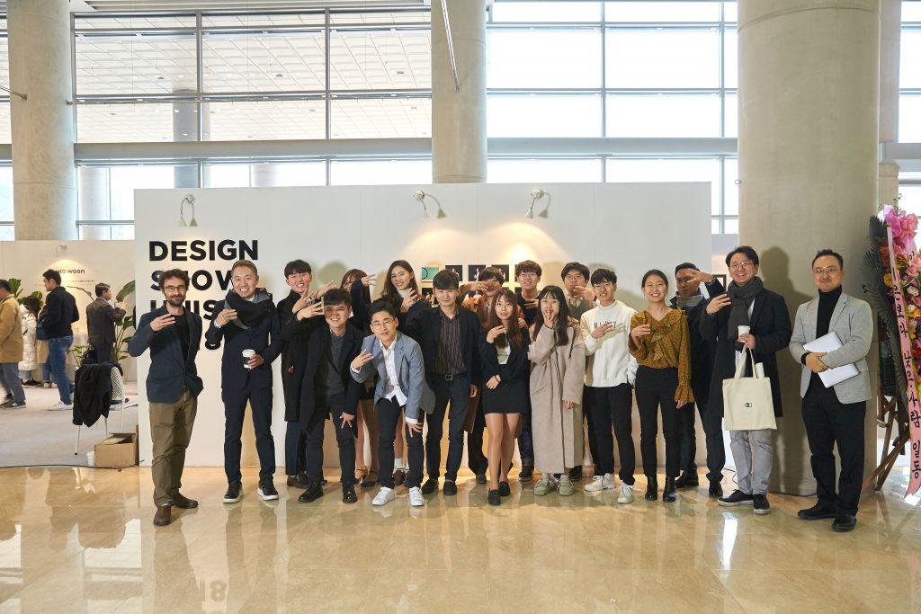 올해 디자인쇼에는 13명의 산업디자인트랙 학생들이 졸업작품을 전시했다. | 사진: 김경채