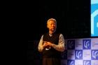 사진-정무영-UNIST-총장이-U-Finder-Day-참가자에-환영사를-전했다-2.jpg