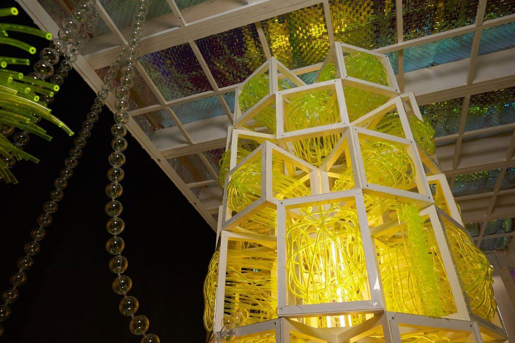 멤브레인 타워에선 각자의 공간에 위치한 튜브들을 볼 수 있다. | 사진: 김경채