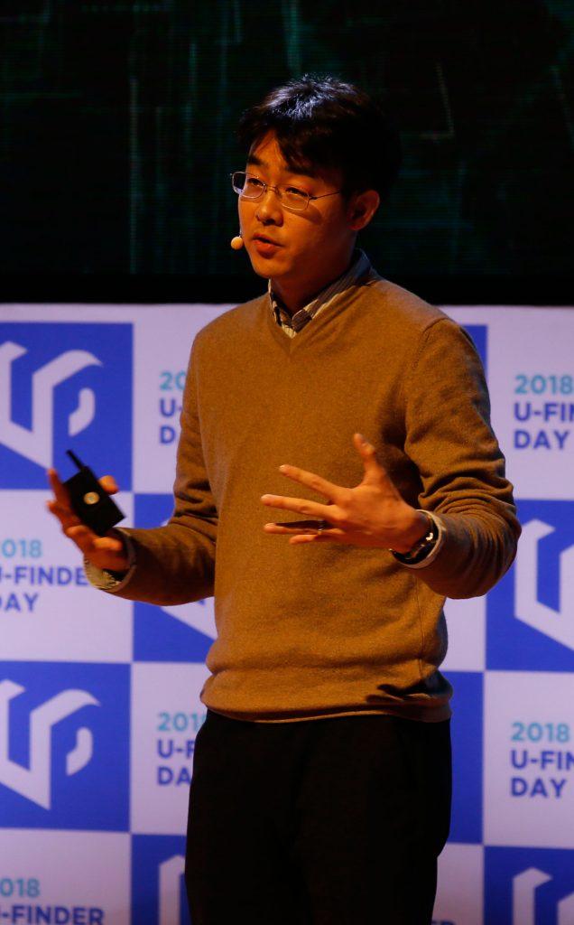배준범 교수(필더세임)가 소프트글로브를 이용한 사업모델에 대해 소개했다. | 사진: 김경채