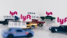 차량 공유서비스인 우버(Uber)와 리프트(Lyft) 등이 많아지면서 경쟁이 치열해지고 있다. | 이미지 출처: unsplash