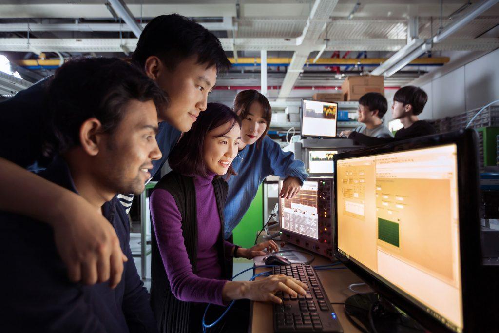 미국에서 핵융합 연구를 수행하던 최 교수는 UNIST의 개교소식을 듣고 한국행을 택했다. | 사진: 안홍범