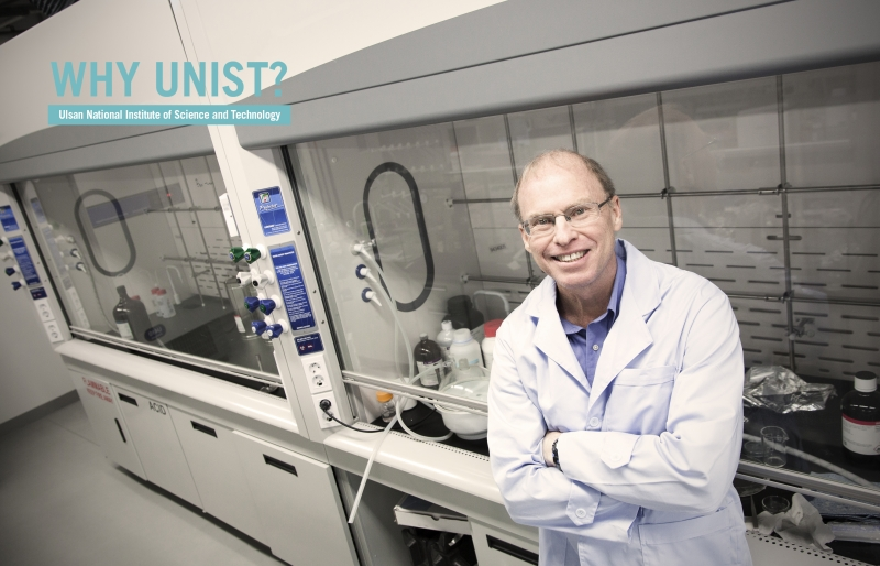 Distinguished Prof. Rodney S. Ruoff (School of Natural Science), posing in his lab at UNIST