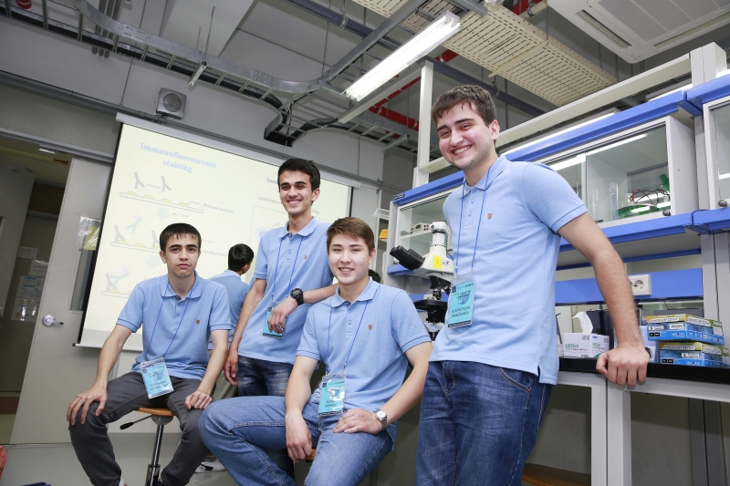 Students partook in 2015 UNIST International Science Camp are posing for a group photo. From left are Nizomiddin Nazhmidnov (Tajikistan), Salimjon Tagoev (Tajikistan), Almas Serikov (Kazakhstan), and Aslkhodzha Magzumov (Tajikistan).
