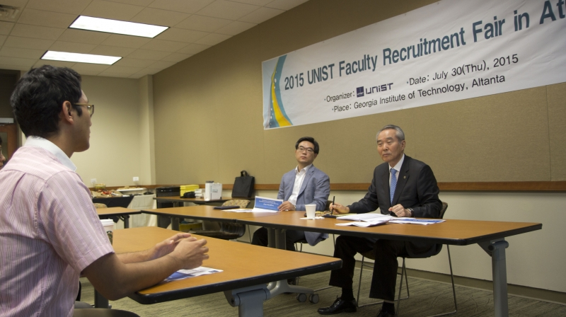 During the interview with President Cho at the UNIST Faculty Recruitment Fair, held at Georgia Institute of Technology, U.S on July 31, 2015.