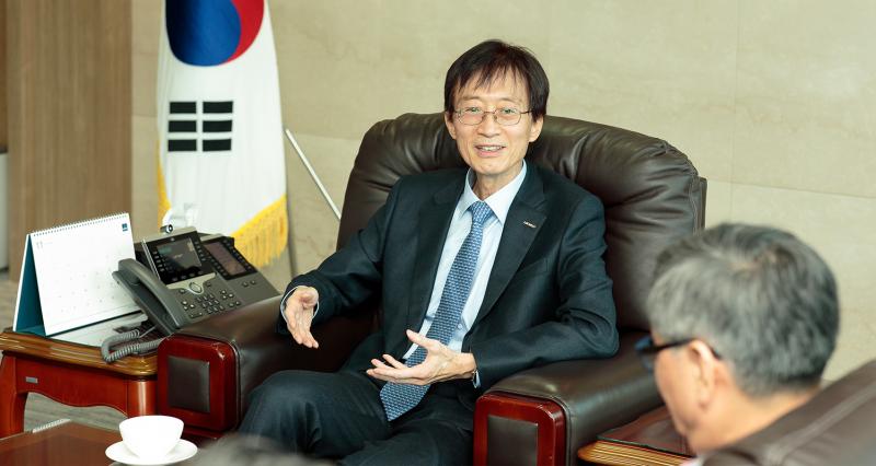 President Yong Hoon Lee Begins Term as UNIST's 4th President