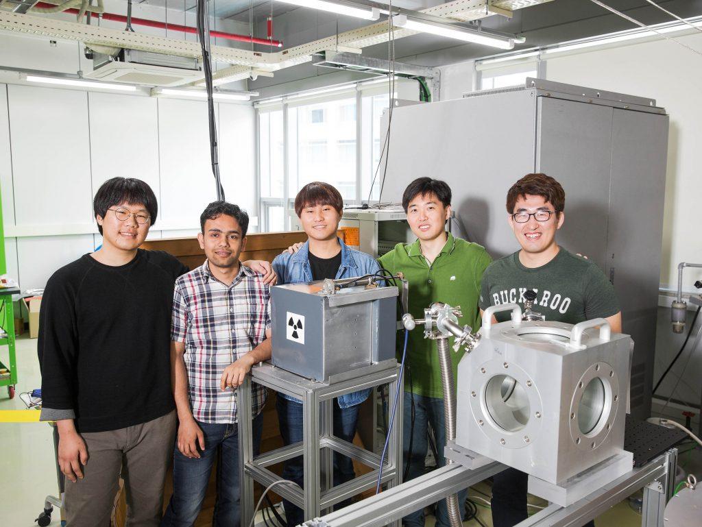 From left are WonJin Choi, Ashwini Sawant, Mun Seok Choe, Dongsung Kim, and Ingeun Lee.