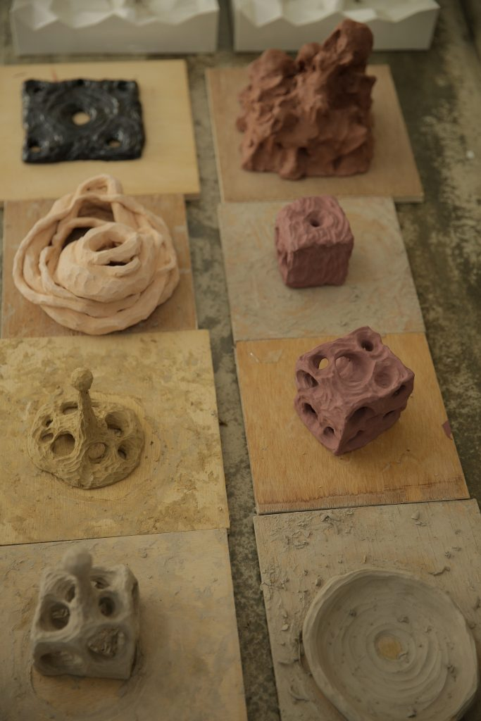 Under the theme of Circulation, Artist Cho prepared his artworks out of soil.