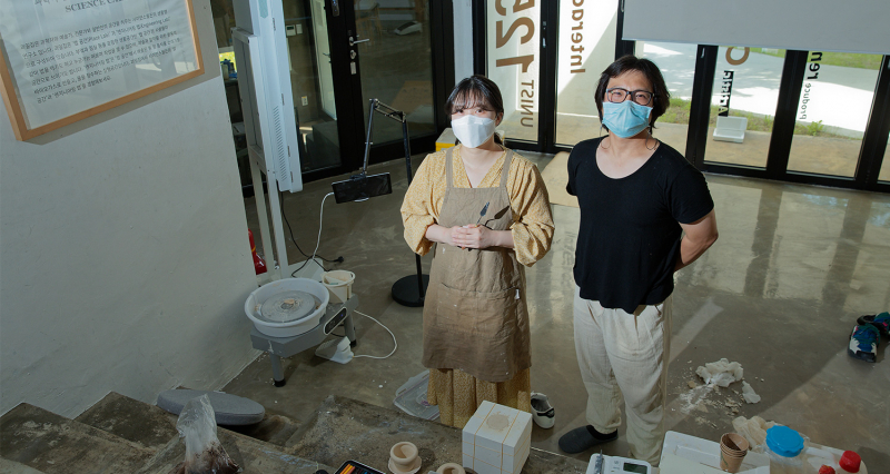 [2021 Science Cabin Residency Project] Pottery Cabinet: From Trash to Treasure!