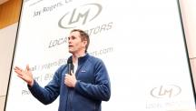 존 로저스 로컬 모터스 회장이 12일 오후 2시 UNIST 학술정보관에서 특강을 펼쳤다. 그는 '초협력'을 이라는 개념을 경영에 도입한 로컬 모터스의 사례를 소개하고, 최근 세계적으로 주목 받은 3D 프린터로 만든 자동차에 대해 설명했다.