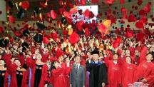 [2018 학위수여식] UNIST 졸업생, 인간 중심의 과학기술 선도하라!