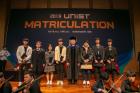 사진-7명의-학생이-UNISTAR-장학생으로-선정돼-장학증서를-전달받았다.jpg