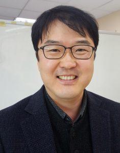 김영춘 UNIST 경영학부 학부장 겸 융합경영대학원장