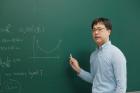사진-최진혁-UNIST-자연과학부-교수가-주식시장의-거래패턴을-수학적-모델로-설명했다-2.jpg
