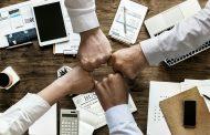 [매일시론] '돕는 행동'으로 보는 슬기로운 직장생활