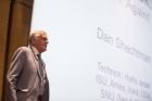 Dan-Shechtman-Lectures-at-UNIST.jpg