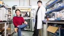 Prof. Kyoung Taek Kim (left) and his researcher YunJu La (right), posing for a portrait in the lab at UNIST.